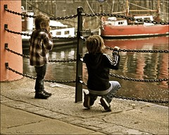 liverpool lads at albert dock ....... (ana_lee_smith) Tags: uk greatbritain travel england tourism water museum liverpool boats photography waterfront nightshot tate ships 1988 illuminations photojournalism kitlens worldheritagesite international maritime promenade restored piazza pillars slavery pierhead albertdock attraction merseyside relections multipurpose rivermersey thebeatlesstory photosof grade1listed analeesmith echoarena built1846 echowheel sonyslta33