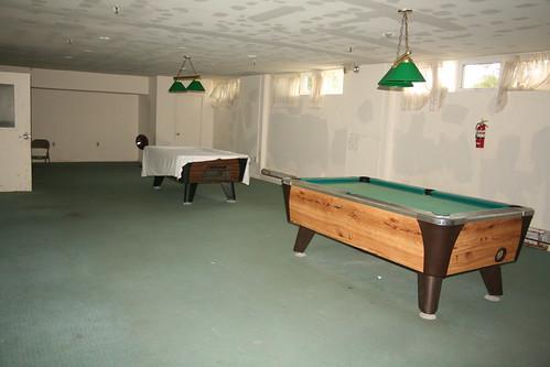 Billiard room with shitty paint job