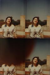 prima (alessandra celauro) Tags: portrait sky marilyn lomo lomography retrato adolescente marilynmonroe teen phoebe cielo florencia teenager aros cousin actionsampler sonrisa prima florenciacelauro
