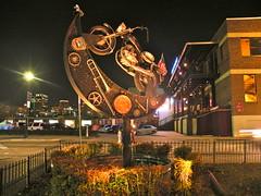 Dick's Last Resort, Dallas (dsjeffries) Tags: nightphotography sculpture art statue night buildings lights neon noflash nighttime publicart dickslastresort downtowndallas dallastexas