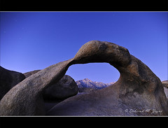 Lone Pine Peak from Mobius Arch (CircadianReflections Photography) Tags: morning sunrise stars nikon roadtrip nikkor blm easternsierras alabamahills lonepinepeak longexposur 1735 blueperiod inyocounty cs5 mobiusarch annualnewyearstrip