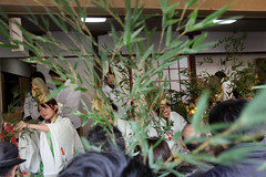 2012 01 (Mixtribe Photo) Tags: trip travel portrait cute girl beautiful festival japan canon eos japanese shrine  osaka ritual mico miko shinto ebisu  matsuri 2012 yebisu         imamiya          5dmarkii  ef70200mmf28lisiiusm
