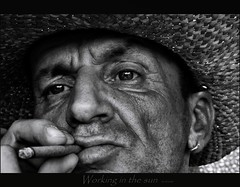 """Working in the Sun"" (chromik) Tags: portrait man men face portraits sw mann photoart mnner visage ortrait bwphotos gesichter blackwhitephotos chromik dchro dietmarchromik bwportraitphotographie"