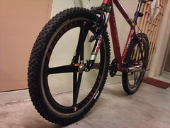 (imranbecks) Tags: bicycle wheel trek wheels bikes carbon fiber rim rims fibre roks spinergy revx