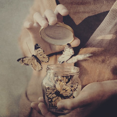 #25  caged (Ana Lusa Pinto [Luminous Photography]) Tags: glass butterfly hands caged jar 365 project365 365days luminousphotography luminouslu analusapinto