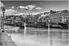 Lungarno a Firenze (Mikeluk) Tags: bw florence italia fiume firenze arno toscana