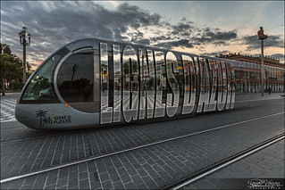 Tramway et vide typographique...