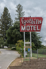 RHM_1666-1396.jpg (RHMImages) Tags: california trees foothills sign landscape us nikon neon unitedstates motel auburn d810