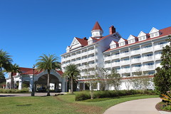 Grand Florian Side View (krisjaus) Tags: disney gingerbreadhouse waltdisneyworld portorleansriverside fortwildernesslodge krisjaus thegrandfloridian richardatthegrandfloridian