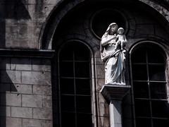 Virgen Maria y nio Jesus (jlmaral) Tags: iglesiadejesusnazareno iglesia estatua laquinta elpito piera cudillero asturias asturies espaa spain