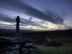 Memorial cross - last rays (Ipple Pen) Tags: uk devon dartmoor tors