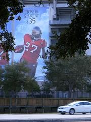 Tampa, Florida (asterisktom) Tags: usa sports sport america tampa us football unitedstates florida stadium nfl estadosunidos raymondjamesstadium eeuu  2011     dalemabrey