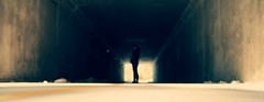 Al final del tnel (Mara Monster) Tags: street light woman cold luz girl tunel callejon