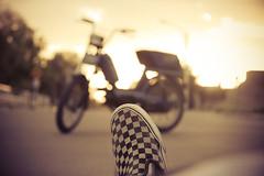 (zamax4) Tags: street light sun calle shoes bokeh vans slip checkered motocycle pumita cuadriculado