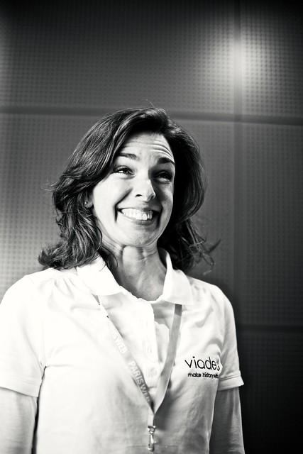 Madame VIADEO grimace à Paris Web 2011