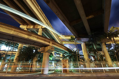FAST NIGHT (Rober1000x) Tags: night downtown florida miami expressway metrorail brickell