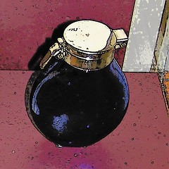 Sputum flask (i.e. a closeable spittoon) (Will S.) Tags: ontario canada kingston drugs medicine mypics dentistry medicines posterized pharmaceuticals spittoon pharmacology sputum patentmedicine kgh kingstongeneralhospital pharmacopeia patentmedicines cartoonified museumofhealthcare sputumflask