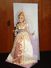 Disney Tangled Ever After Wedding Rapunzel 12'' Doll - Unboxing - Right Front View (drj1828) Tags: wedding inch doll play disney after 12 ever rapunzel tangled unboxing deboxing