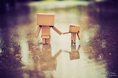 Walking in the rain with the one I love (darktiger) Tags: japanese robot cool interesting funny suit cardboard figure magna yotsuba danbo revoltech abigfave flickrdiamond danboard cardbo actionfigure stanfordmoore