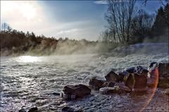 Der Fluss dampft (Helmut Reichelt) Tags: leica winter germany deutschland bavaria natur oberbayern kanal fluss isar eis landschaft morgen m9 wildwasser wolfratshausen colorefexpro voigtlandernokton35mmf14sc