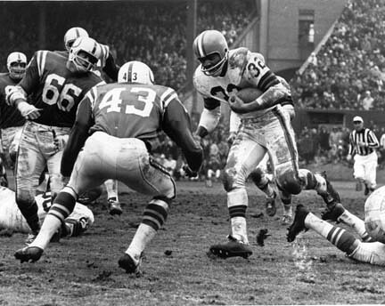 Jim Brown running against the Colts in 1964