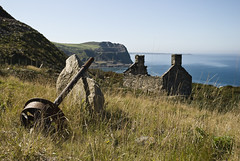 Nant Gwrtheyrn 42 (PPimages) Tags: sea wales farmhouse north ruin cliffs peninsula derilict headland llyn northwales nantgwrtheyrn nant gwrtheyrn