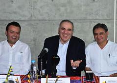 Garry Kasparov ofreció una conferencia magistral en el Fuerte de San Diego Acapulco