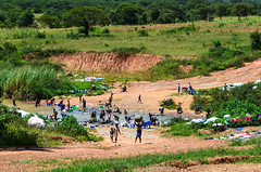 20140301-DSC_0223 (jbdodane) Tags: africa bicycle river cycling wash laundry velo villagers angola cyclotourisme cycletouring day483 alamy freewheelycom alamy150731