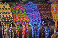 colores (Caro Z.) Tags: chile viaje colors tomato mexico ventana nikon blackberry market colores tomates mercado fabric bracelet sancristobal reloj naranja chiapas antiguo sancristobaldelascasas compras habanero telas morado pulseras jobo nikor chamulas zarzamoras telares nikond5100
