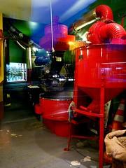 Caf rouge 2 (Jean-Luc Lopoldi) Tags: caf rouge circulation soir reflets vitrine vitre brlerie