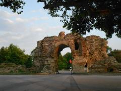 """""""Камилите"""", южната врата на римската крепост"""