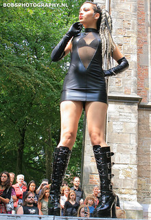 008 Sexy goth on the catwalk