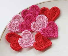 Crochet hearts pink red (luullaphoto) Tags: pink red hearts crochet valentine
