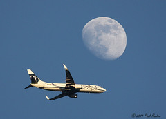 Plane and Moon (Paul Hueber) Tags: sky moon nature plane canon florida jet handheld flymetothemoon alaskaairlines seminolecounty altamontesprings canonef100400mmf4556lisusm