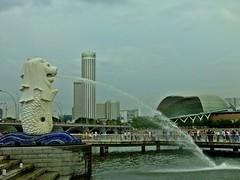 Singapur (fleckchen) Tags: city singapore asien platz lion stadt architektur fluss stdte singapur merlion metropole wahrzeichen singapor hochhuser pltze stadtstaat sdasien springbrunden konzerhalle
