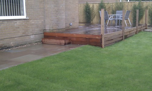 Hardwood Decking Alderley Edge - Modern Family Garden. Image 14