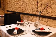 26122011-IMG_6559.jpg (godzillante|photochopper) Tags: table place napkin tavolo ristorante interno posto tovagliolo tavoli serrasanbruno zenzero