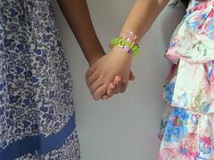 Mis princesas * (ina andré *) Tags: family girls love colors familia children hands friendship arms union dresses niñas amistad solidaridad primas littlegirls vestidos