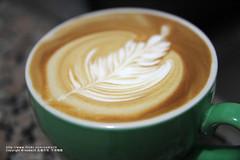 最近拉的花感覺退步到一個月前了......T.T (nodie26) Tags: art cup water coffee hearts leaf cafe heart tea drink espresso latte 咖啡 素材 心 下午茶 拿鐵 葉子 愛心 拉花 義式咖啡 素材庫