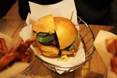 "Blend ""Signature"" Burger (LostNCheeseland) Tags: food paris restaurants blend blendrestaurant blendburgers blendparis"