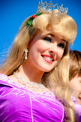 Aurora (abelle2) Tags: princess disney parade disneyworld aurora wdw waltdisneyworld sleepingbeauty magickingdom christmasparade disneyprincess princessaurora disneyparade onceuponachristmastime onceuponachristmastimeparade mickeysonceuponachristmastimeparade mickeysonceuponachristmastime