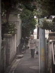 (kasa51) Tags: street people japan temple lumix panasonic yokohama f25 angenieux 75mm  gf1 cmount