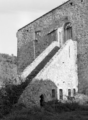 Stairway to heaven (Swiatlocien) Tags: italy casa ruins tuscany siena stigliano
