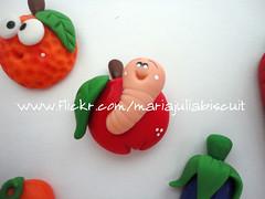 Maçã, só bichada! (Alane • maria julia biscuit) Tags: frutas artesanato biscuit fofo maçã fazendinha bichinho lembrancinha lembrancinhas frutinhas mariajuliabiscuit