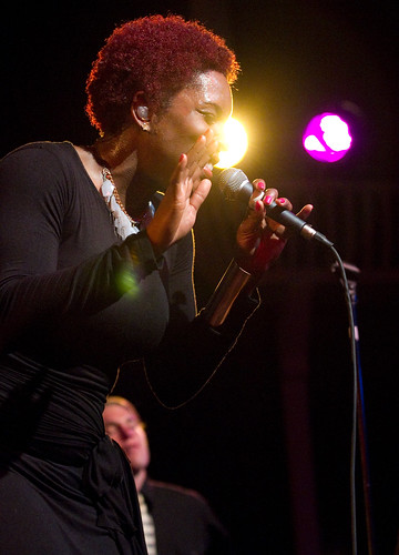 Liv_Warfield_Experience__Alberta_Rose_Theatre__2012_2_4___(22_of_30)