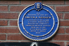 Photo of Smith & Nephew, Thomas James Smith, and Horatio Nelson Smith blue plaque