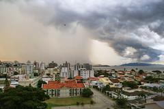 E vem chuva...! (Dircinha -) Tags: floripa brazil storm southamerica brasil clouds florianopolis nuvens turismo temporal amricadosul chuvadevero suldobrasil