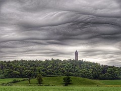 Fantastic sky over Wallace Monument, Stirlingshire (cocopie) Tags: sky clouds overcast dull stirlingshire undulatus asperatus