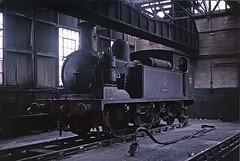 0-4-4T BRADING inside Ryde loco shed (TrainsandTravel) Tags: england 22 adams 02 isleofwight angleterre brading steamtrains dampfzug standardgauge rydestjohnsroad normalspur 044t voienormale trainsavapeur britishrailwayssouthernregion