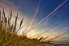 Gestern Abend am Strand (dubdream) Tags: ocean blue sunset sea sky seascape beach water clouds strand landscape nikon meer wasser dunes balticsea hdr schleswigholstein heiligenhafen d700 dubdream